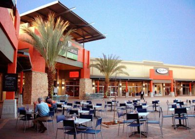 Sanridge Square piazza